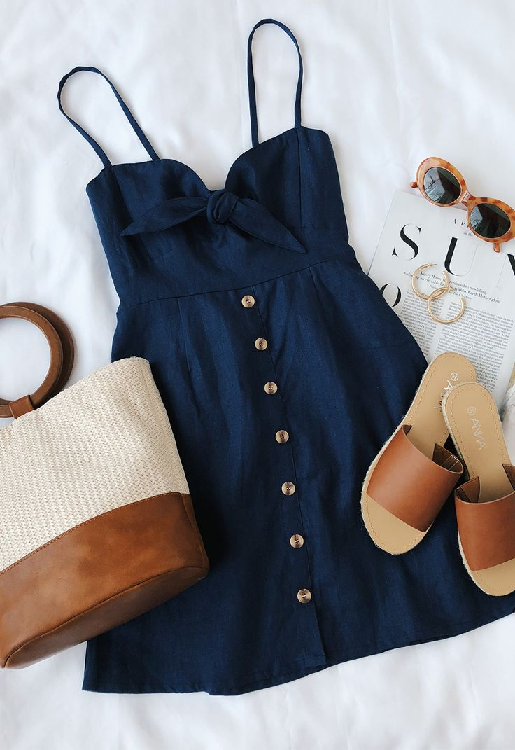 Https Cute Outfits Ideas To Wear During Spring 32 Apologies If The Image Is Too Big I39ll Remove It Needed Vestidinho Azul Navy De Botoes Estilo Romantico Pinterest Blog Dicas Da Gi